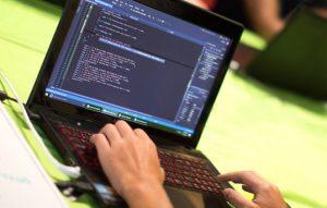 کدنویسی و برنامه نویسی چیست؟